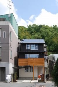 大阪柏原市の 『ハイブリッドな木の家』木造3階建て