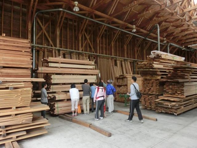 高知県梼原町森林組合の製材工場の写真 工務店ソーラーコム撮影