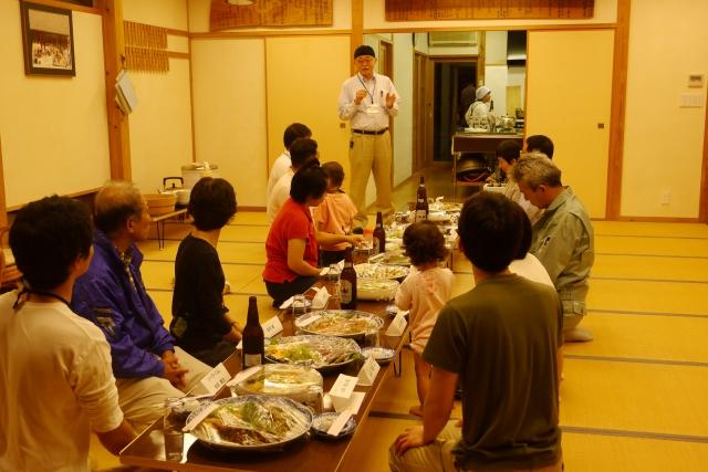 高知県梼原町森林組合 民宿にて 工務店ソーラーコムの伐採ツアーの写真