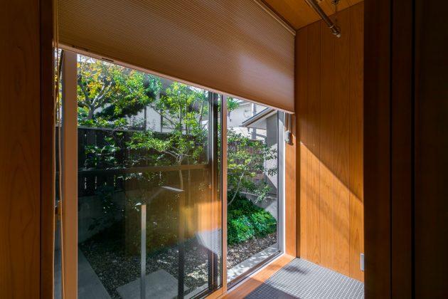 和室から眺める庭