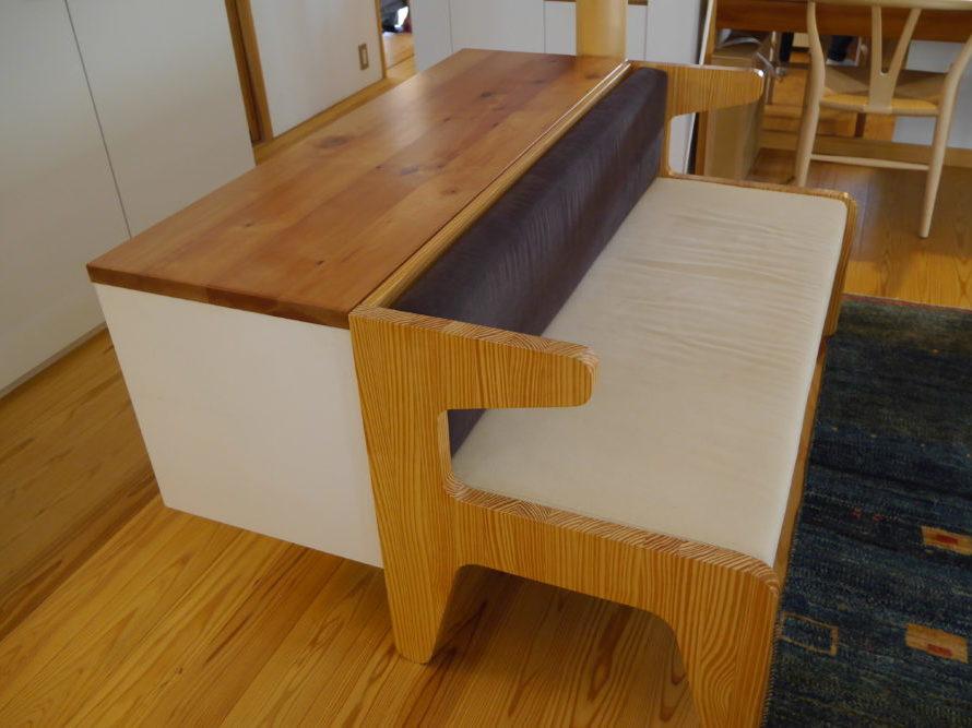 i-worksは家具の重要性を説いている